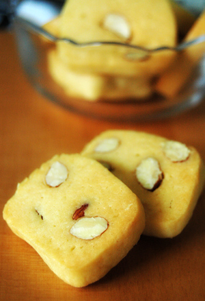 icebox almond cookies