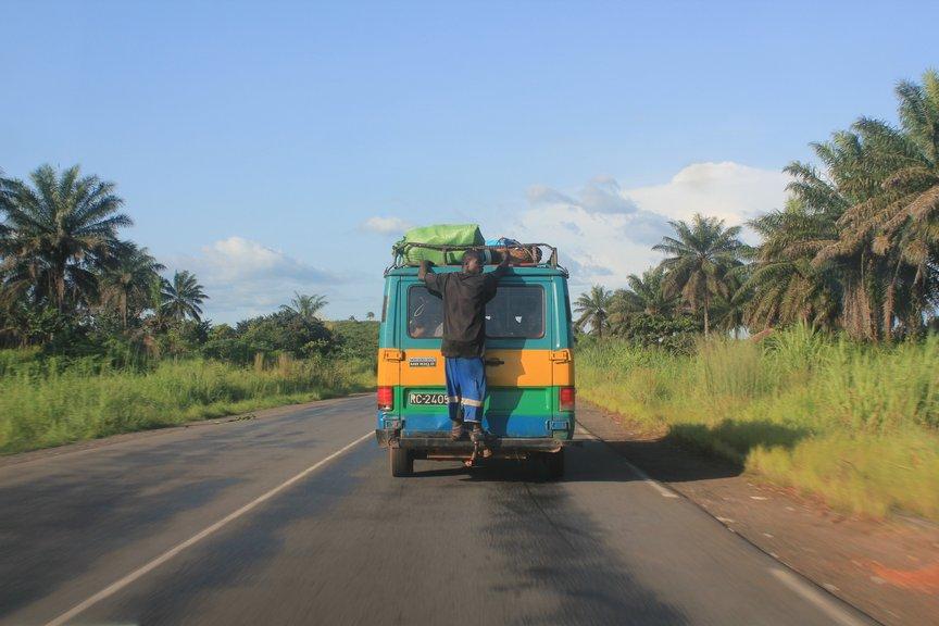 2013年のギニアツアーの小旅行は...
