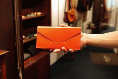 封筒型財布1
