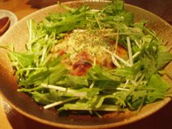 松:温かい豚バラ肉ときのこ入りのポテトサラダ