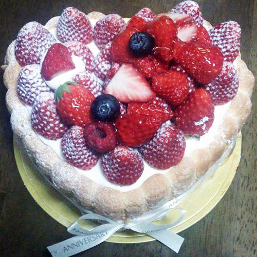 ハート形バースデーケーキ