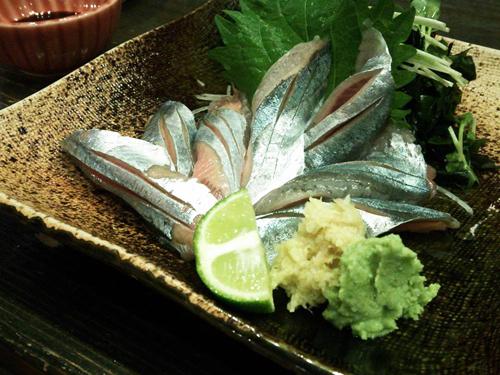 大将の秋刀魚の刺身