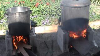 炊き出しのカレー