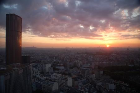 パリ夜明け