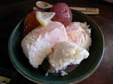 バニラアイス〜無花果の甘露煮(レモン風味)添え〜