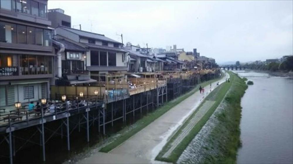 京都府京都市 鴨川の床1_R.jpg