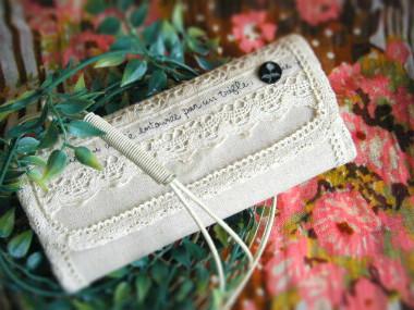 ハンドメイドのお財布。