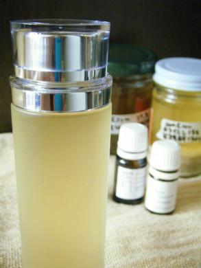 月桃とヨクイニンの化粧水を作る
