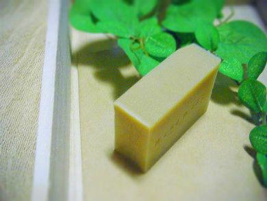 【milky pike】カモミールと豆乳の石けん