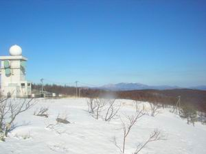 五葉山と雨雪量観測所