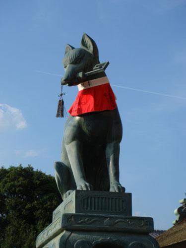 桜門の狐(左)