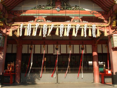 内拝殿(右から)