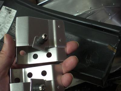 サイドカバーのツメ補修07