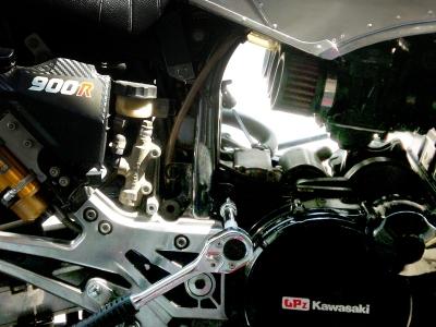 GPZ900R強化エンジンマウント!トウジエンジニアリング01