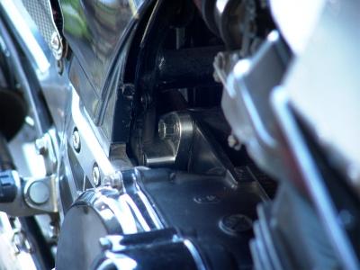 GPZ900R強化エンジンマウント!トウジエンジニアリング