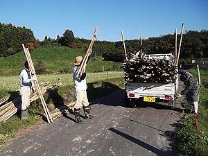 竹の積み込みs.jpg