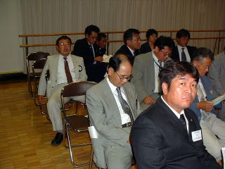 大村中央クラブ会計 L 上谷 直人(手前右)