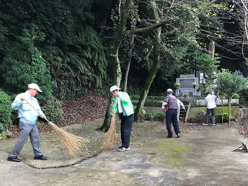 忠霊塔清掃活動