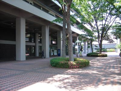 国会図書館入り口