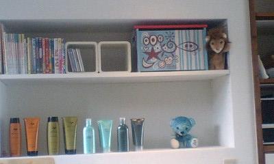 シャンプー室の棚