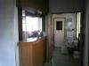 改装前の待合室から見た診察室入口