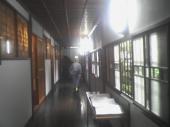 環翠楼の廊下:窓の格子がとてもおしゃれの図