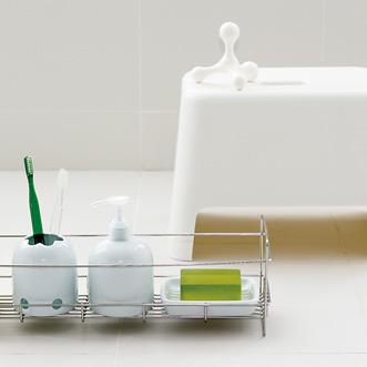 石鹸やシャンプーなどの小物を使いやすく収納できるラックをはじめ、清潔感あふれる白で統一できるおふろの基本グッズが勢ぞろい。散らかりやすいおふろ場をすっきりとまとめることができます。