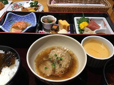 椿山荘で食事