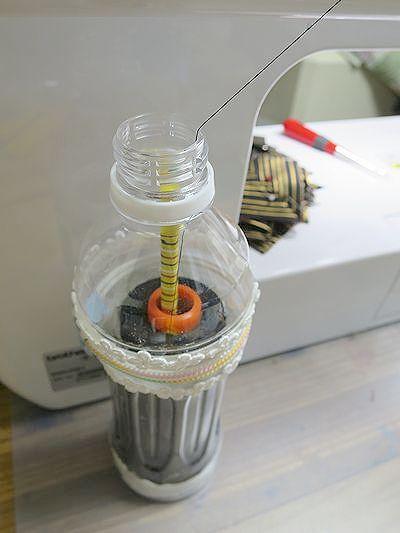 ペットボトルの糸スタンド3