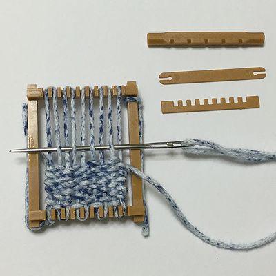 ガチャガチャの機織り機3