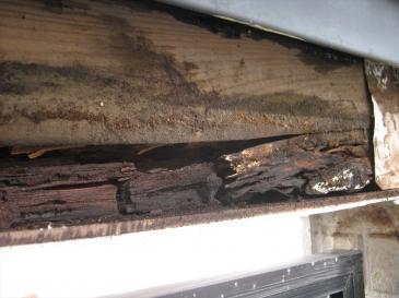 鶴ヶ島市 築17年26坪:破損している内部