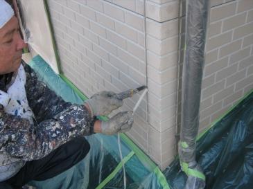 鶴ヶ島市 築17年26坪:劣化したシーリングの除去