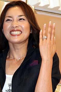 V6・井ノ原快彦と女優瀬戸朝香が12月に結婚