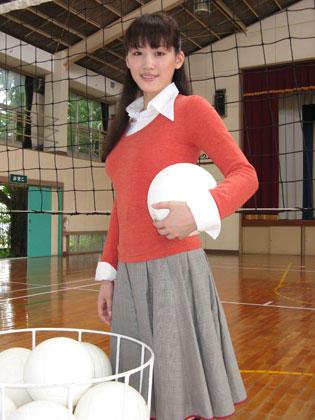 【映画】綾瀬はるか「おっぱい」連呼…「おっぱいバレー」主演! 「1勝したらおっぱいを見せてあげる」と約束する女教師役