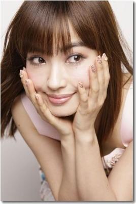 平子理沙(39)、豊満なバスト、くびれボディーやヒップの美しいラインを激写