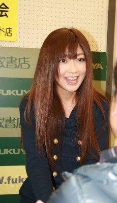 【アイドル】Berryz工房の熊井ちゃん、写真集をアピール「普段しない髪形と、初めて着た緑の水着が見どころです」