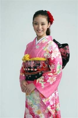 ポスト上戸彩…18歳の武井咲、悪女で大器咲かせる