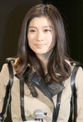 【芸能】篠原涼子 美しすぎてと言われ「興奮して眠れません」と照れ笑い 映画「グリーン・ホーネット」ジャパンプレミア