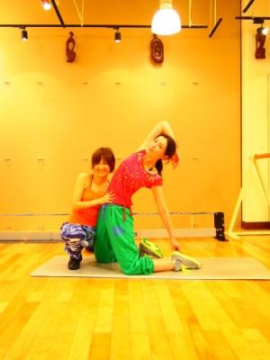 山田まりやのくびれ写真に「半端ないくびれ」の声