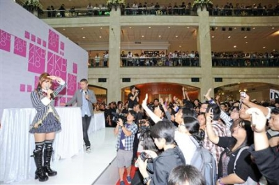 【AKB48】たかみなこと高橋みなみ インドネシア・ジャカルタを訪問しJKT48候補生激励