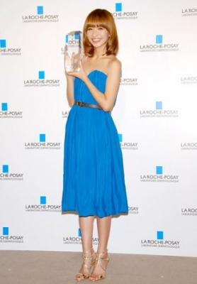 【芸能】優木まおみ、グラドル仲間の結婚ラッシュを羨望「私もキラキラしたい」・・・「Suhada Beauty Award 2011」授賞式