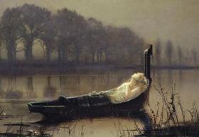 グリムショー、ジョン・アトキンス(Grimshaw,John Atkinson)  引用:【嵐の東風が吹き荒れ 生気の失せた木々は枯れ萎んでいく 広い川面は不安に波立ち、岸を洗い 低く垂れ込めた空からは雨が滴る。塔の並び立つキャメロットめがけて さまよい出た姫は柳の下に 寄る辺なく浮く孤舟を見つける 舳先に記す、シャロットの姫と 冥く広がる川面彼方のキャメロットを、あたかも大胆な予言者が恍惚の極みに うつろな面もちでおのが凶運を見るがごとく 姫は見やった。日も暮れかかり、舟の舫を解き 小舟にうち伏すシャロットの姫君を 川の流れは滔々と彼方へ流した。賛美歌の調べ、悲しげに、また神々しく あるは高らかに、あるは密やかに歌う調べを耳にした。やがて血は緩やかに冷えて 塔のあるキャメロットを望んだ。その目は暗く、虚ろになった。波に乗って漂い着いた前に 水際の一軒の家 低くいまわの歌を歌いつつ みまかったシャロットの姫君】