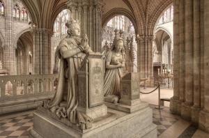 Monuments funéraires à la mémoire (et non leurs tombeaux) de Louis XVI et de Marie-Antoinette réalisés par Edme Gaulle et Pierre Petitot en 1830, basilique Saint-Denis