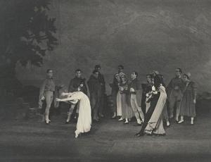 Dimitri Rostoff as Paganini and Tatiana Riabouchinska as a Florentine Beauty