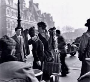 Le Baiser de lhôtel de ville, Kiss by the Hotel de Ville
