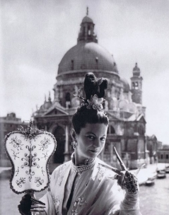 Le Bal oriental, at the Palazzo Labia Patricia López-Wilshaw de emperatriz china by Cecil Beaton