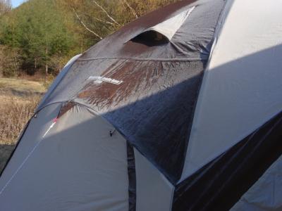 凍るテント