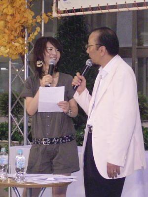 会場からもらった質問に答える弘樹さん