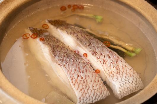 魚介レモン鍋手順1