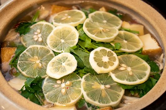魚介レモン鍋手順3